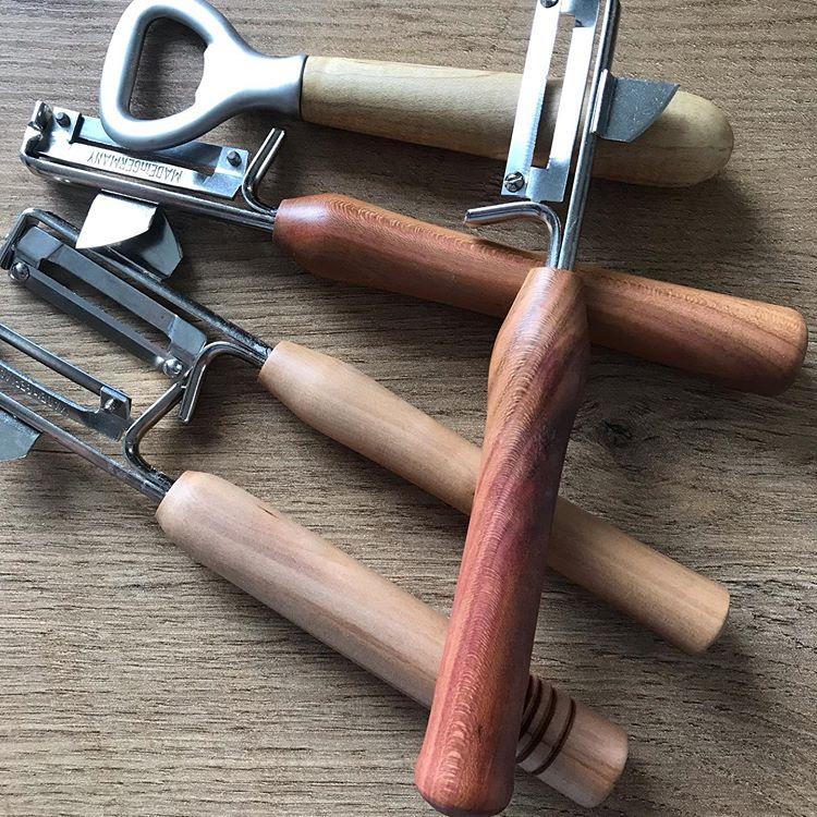 Küchenschäler aus Apfel- und Zwetschgenholz