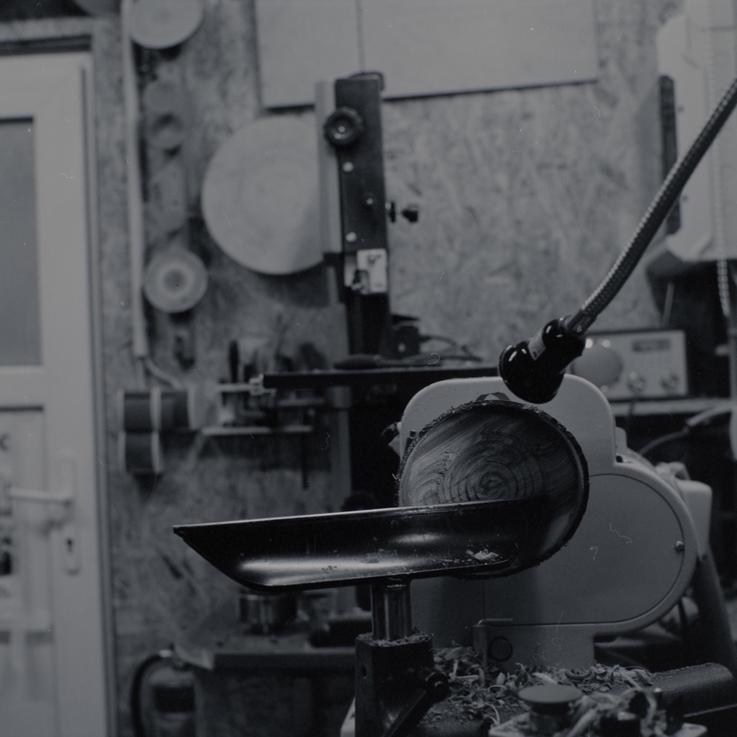 Schale auf Drechselbank - Fotos von Jesper Hilbig aufgenommen mit einer Analogkamera